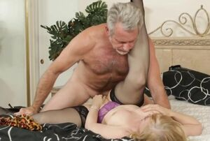 Nina Hartley - Marvelous Mother in..