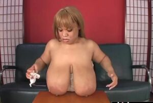 Gal snow wants to lick hefty jizz