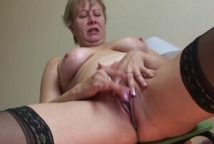 Cougar draining and piss