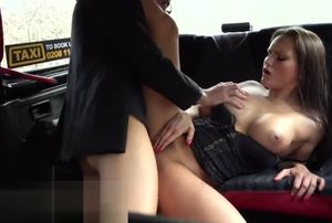 Chick Faux Cab Boy gets pouch deep in..
